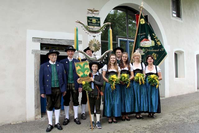 Däfelesträger, Festdamen und Fahnenrotte Musikverein Grünkraut